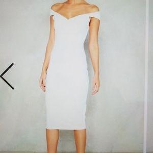 Midi ground off-the-shoulder dress